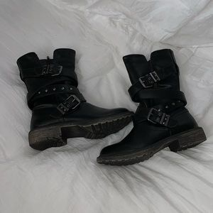 SO combat boots
